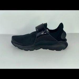 Nike sockdarts
